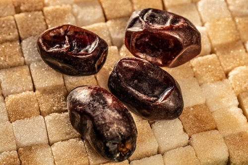 Sweet dates on the sugar cubes